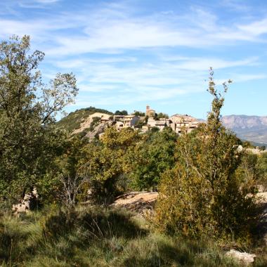Foto 4: vistes de Sapeira des del camí.